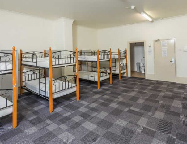 hostel-dorm-room-12